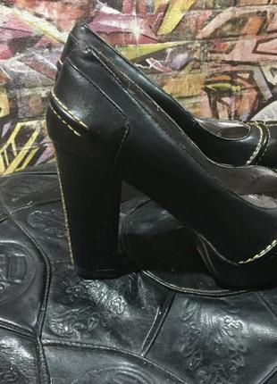Туфли на среднем каблуке размер 35