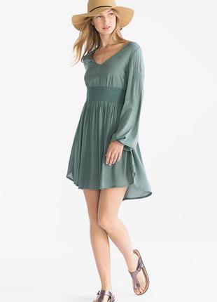 Красивое платье с&а. м размер
