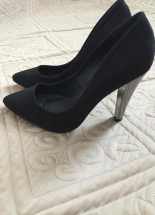 Туфли лодочки с серебристым каблуком , туфли эко замш