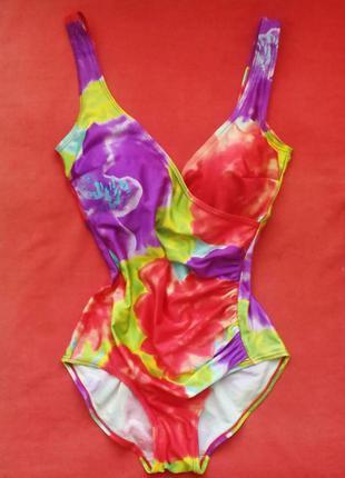 Трендовый купальник популярной расцветки классический и стильный