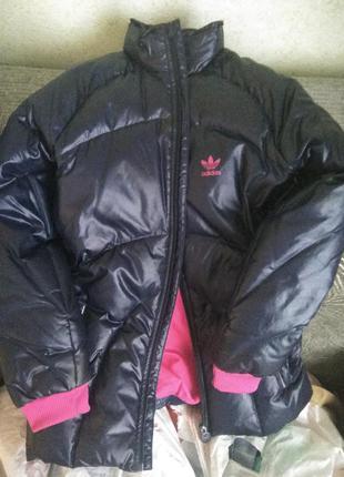 Куртка (пуховик) на теплую зиму и холодную осееь
