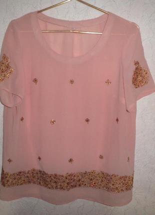 Блузка с вышивкой и пайетками