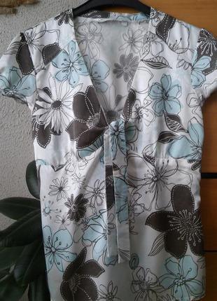 Блузка из стрейч-атласа