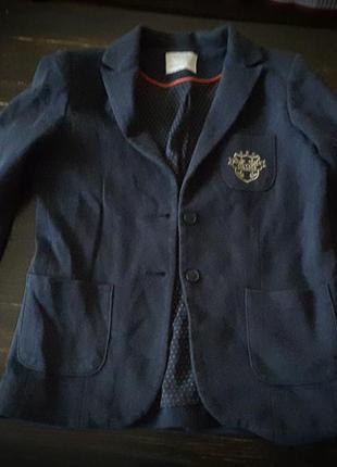 Zara пиджак из дорогой коллекции школьной