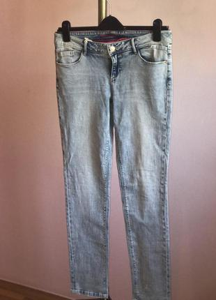 Выбеленные джинсы