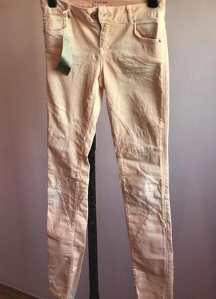Розовые джинсы skinny