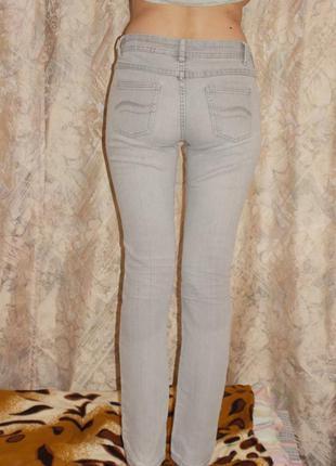 Серые джинсы2