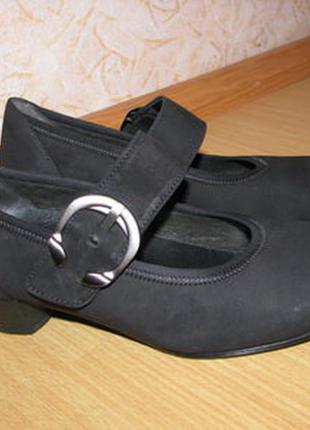 Gabor туфли нубук как новые 35 р по вст 23 см каблук 3.5 см