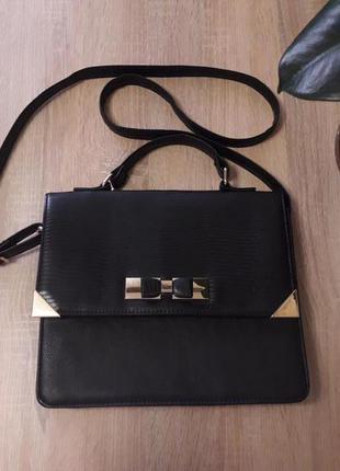 Женская сумка с длинным ремешком