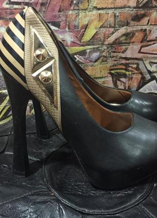 Туфли на каблуке высоком и платформе размер 36 кожзам