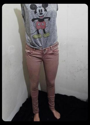 Нежные, пудровые джинсы скинни skinny