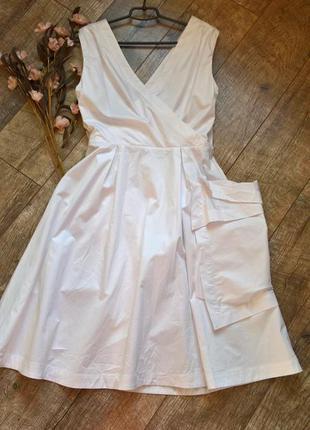 Дизайнерское белое платье от дома моды alexander mqueen,новое с биркой на запах