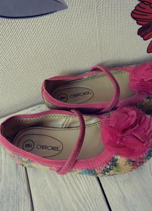 Розовые туфли на девочку cherokee