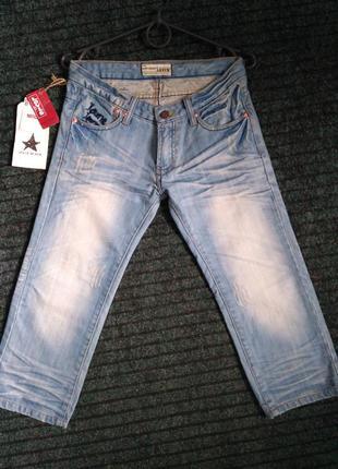 Джинсовые бриджи, шорты до колен levis w 27,28,29,30