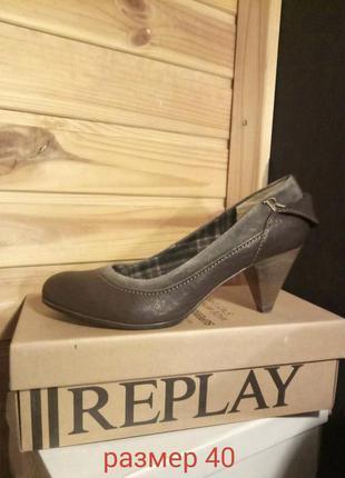 Туфли на низком каблуке replay