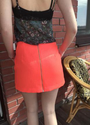 Яркая красивая юбка topshop