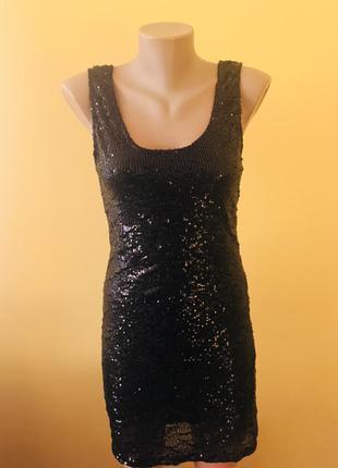 Фирменное платье в паетки