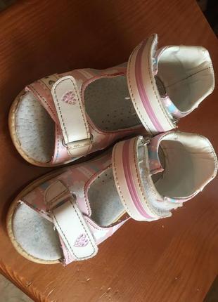 Ортопедические красивые сандали босоножки с супинатором кожаная стелька 1-2 годика