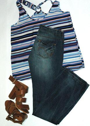 Классические прямые джинсы terranova