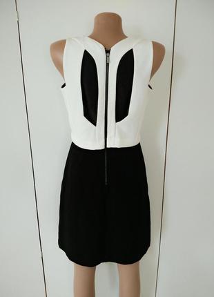 Черно -белое платье с оригинальной спинкой ,xl