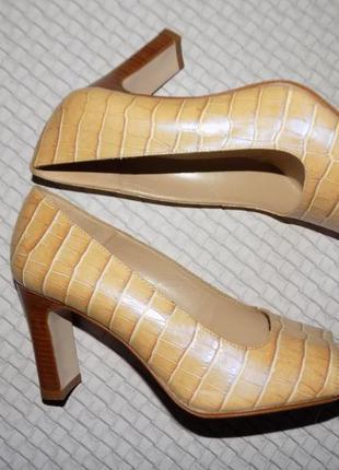 Испания, натур. кожа, туфли с открытым носочком