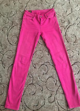Супер рожеві джинси фірми lee