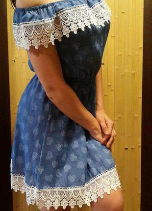 Літнє платтячко з кружевом