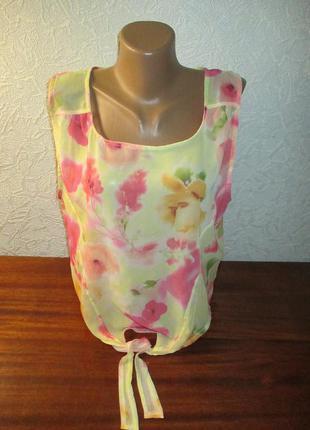 Легкая шифоновая блузочка в принт цветы