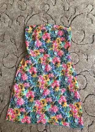 Гарненьке літнє платячко з цвітним прінтом
