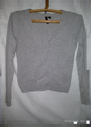 Кофта-пуловер на пуговицах
