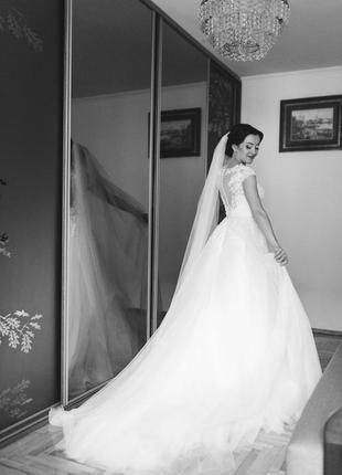 Весільна сукня daria karlozi.