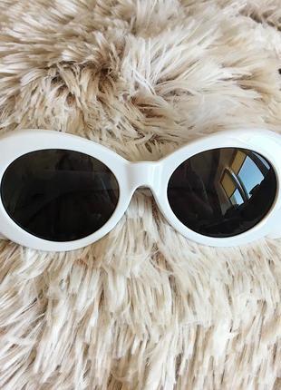 Мужские ретро солнцезащитные очки с белой оправой