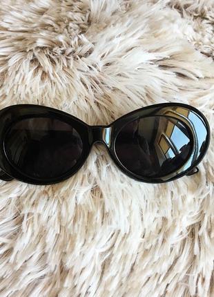 Мужские ретро солнцезащитные очки с чёрной оправой