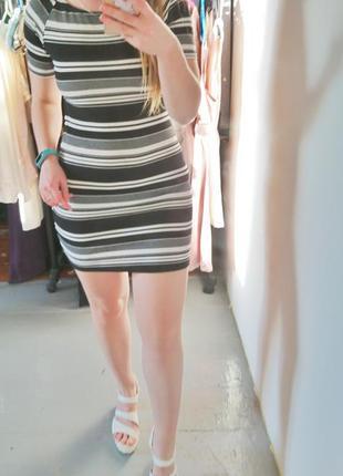 Актуальное платье в полоску со спущенными плечами №5242 фото