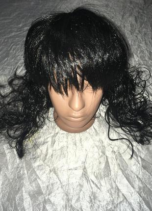 Штучный черный парик длинный