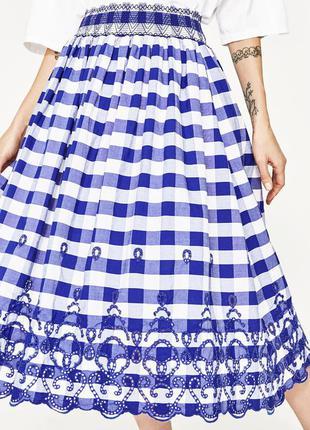 Zara юбка миди в клетку с вышивкой, м3 фото