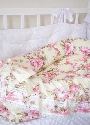 Кокон гнездышко для девочки розы прованс