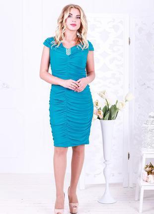 Элегантное вечернее платье с драпировкой и украшением(батал)