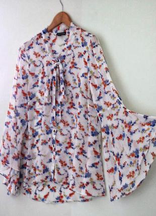 Красивая блуза warehouse