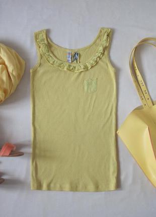 Желтая майка в мелкий рубчик с кружевом котоновая маечка с карманчиком