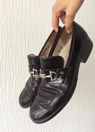 Кожаные туфли лоферы betty barclay