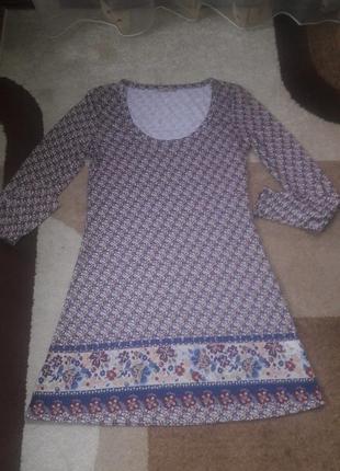 Стильное легкое платье в узор