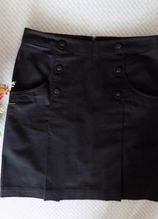 Шикарная черная  юбка с карманами из плотного стрейчкоттона