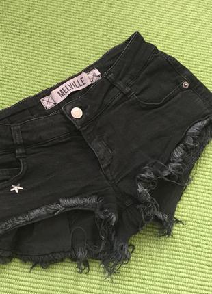 Модные шорты melville
