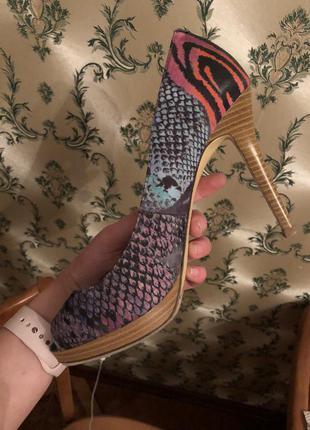 Туфли лодочки inc с открытым носком