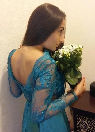 Шикарное вечернее вупускное платье