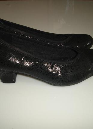 Кожаные туфли gabor р 41 (uk 7), стелька 26,5 см вісота каблука 5 см