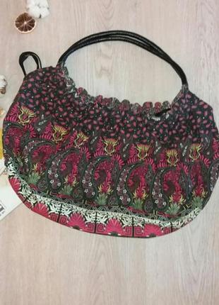 Лёгкая красивая летняя сумка с цветным принтом