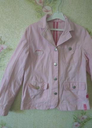 Стильный пиджак с нашивками