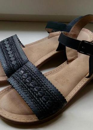 Стильные кожаные босоножки footglove(италия).